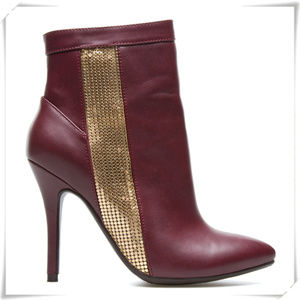 Tisha ankle booties in Bordeaux