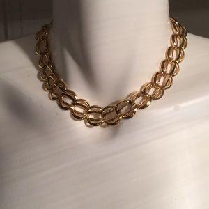 NWOT Amazing Goldtone Choker Necklace 💃