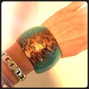 Turquoise & Bronze lightweight metal bangle. NWOT!