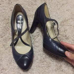 Naturalizer 6.5 Mary Janes leather navy black heel