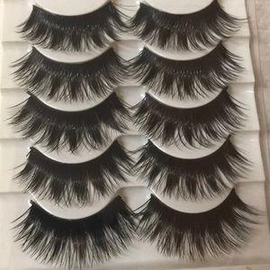 Beautiful eyelashes!!!😍