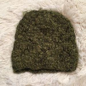 Staring at Stars chunky knit green hat.