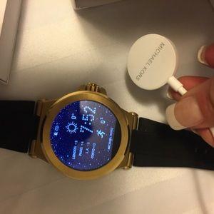 Michael Kors Dylan Smartwatch with MK strap!