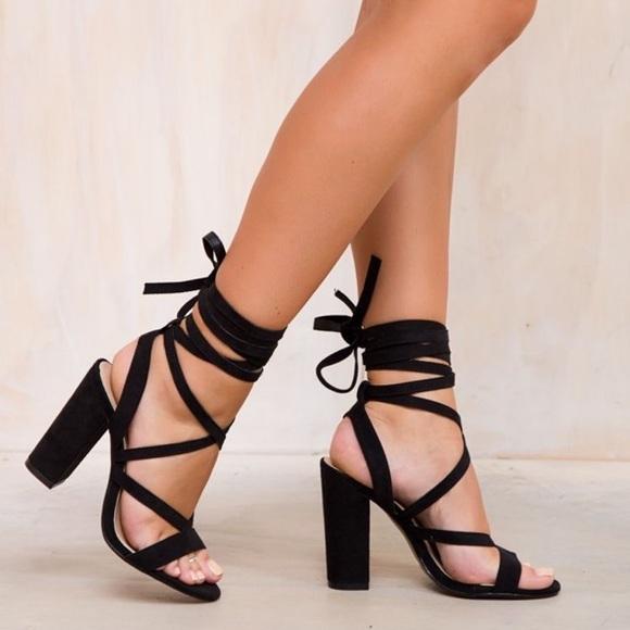 82c427dc78e Cute black strappy heels!!