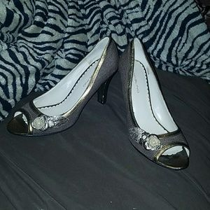 Bandolino leather & fabric heels in bronze