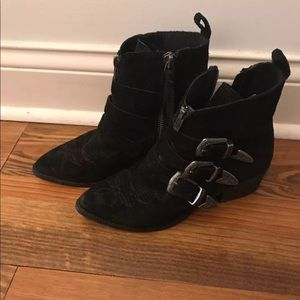 Dolce vita black suede buckle Scott boot size 7
