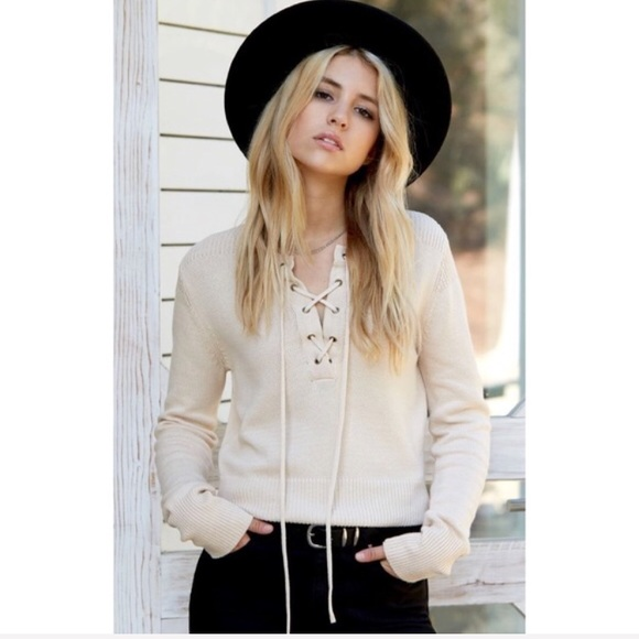 NWT Honey Punch Lace Up Sweater