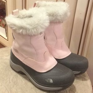 The North Face girls pink/gray snow boots Sz 5