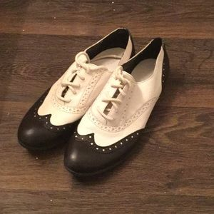 Vintage Black and White Oxfords