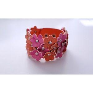 Other - 🎉HP🎉SALE Floral bracelet