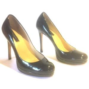 SEXY ANN TAYLOR BLACK PATENT LEATHER HEELS