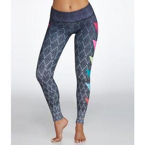 Onzie Graphic Print Legging