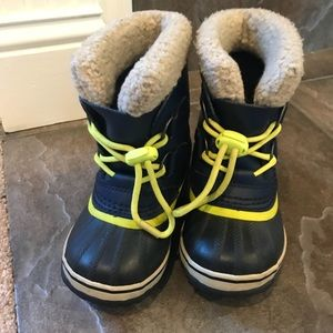 Toddler Sorel winter boots size 9
