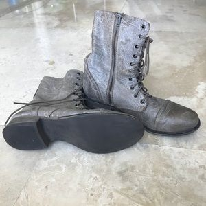 Steve Madden Shoes - RARE Steve Madden Troopa Combat Boots Stone Lace