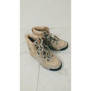 Vintage KangaROOS Hiking Boots