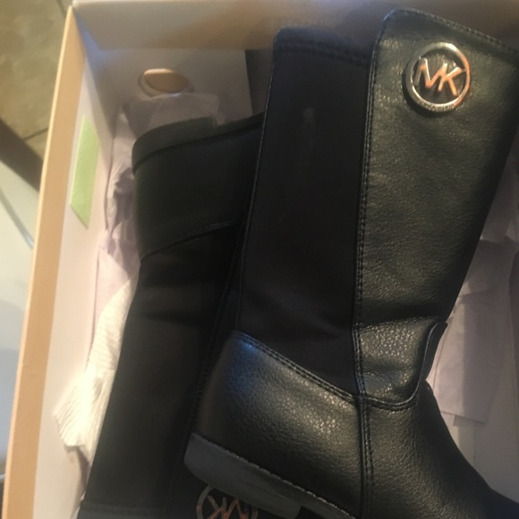 official shop temperament shoes incredible prices The real Michael Kors purchase drone Dillard's