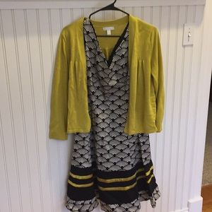 Dress with sleeveless V-neck and matching cardigan