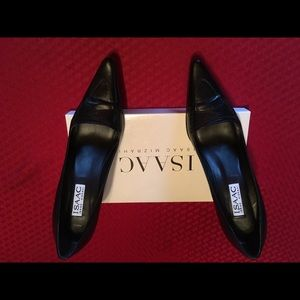 Isaac Mizrahi black leather pumps.