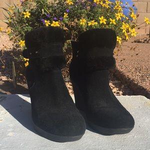 UGG heeled booties ☃️❄️