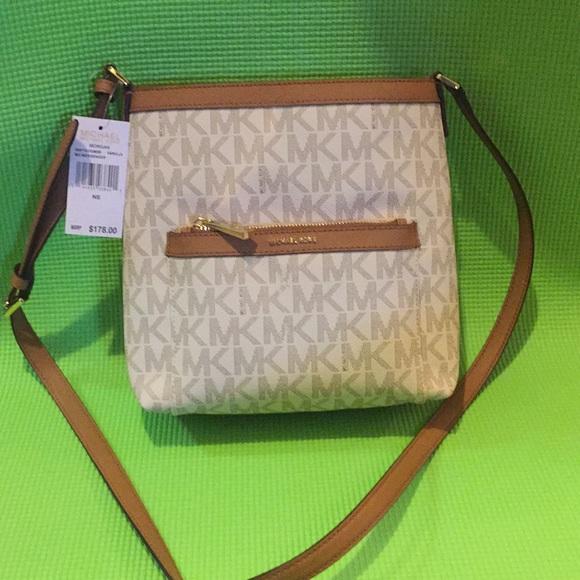 611db1ce5d80 Michael Kors Bags | Morgan Vanilla Md Messenger | Poshmark