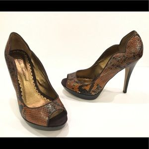 NWT Brown With Black Peep Toe Heels