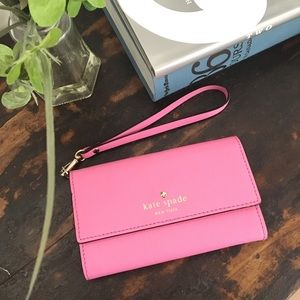 Kate Spade Cedar Street Iphone Wristlet Pink