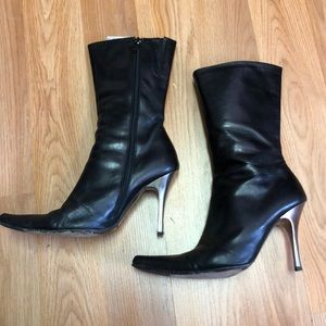 Charles David Stylish pointy leather heeled boots