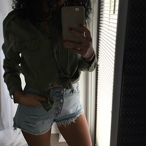 Beautiful high waisted denim shorts