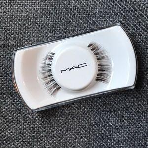 {mac} brand new eyelashes fake holiday lashes #36
