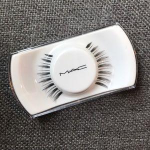 {mac cosmetics} fake eyelashes #7 false lashes