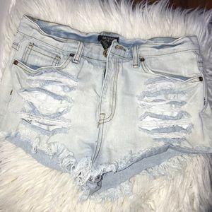 Shortie shorts