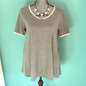 NWOT LuLaRoe Perfect Tee Tshirt Gray with Peach