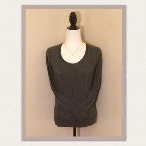 Old Navy grey scoop neck sweater
