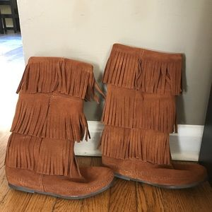 Minnetonka 3-Layer Fringe Boot