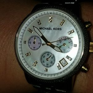 Gorgeous authentic MK watch