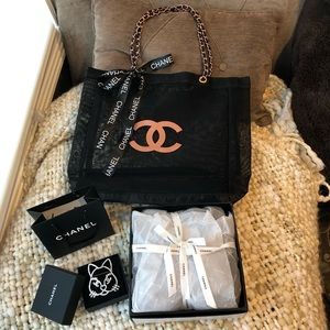Authentic Chanel VIP Rose Gold Chain Tote Bag NWT!