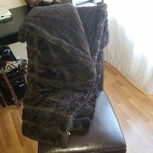 Faux mink fur throw blanket chocolate brown