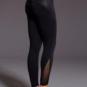 Onzie Shaper Legging in Black S/M