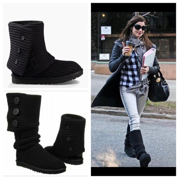 UGG® Classic Cardy Button Detailed Knit Boots TDvd27OQ
