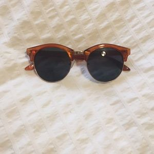 Urban Outfitters Sunnglasses