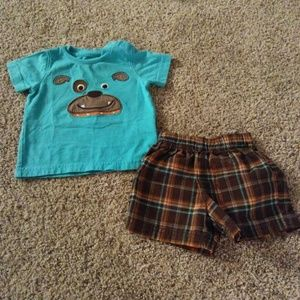 [Carter's] Short Outfit Size 6 Months