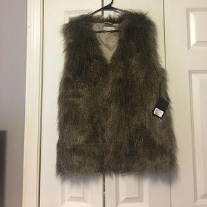 Other - Faux fur vest