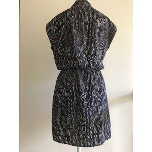 Deep- v casual dress