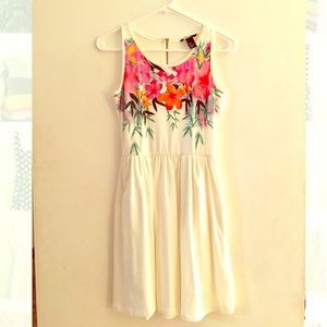Floral White Dress with Pockets