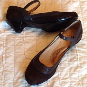 Sofft low heel Mary Janes