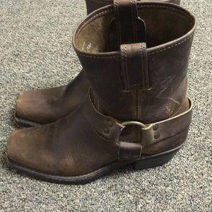 Frye boots, tan harness.