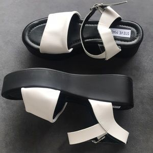 Steve Madden White Leather Sandal