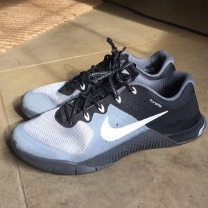Nike Metcon 2 women's size 9 BUT fits like 8-8.5