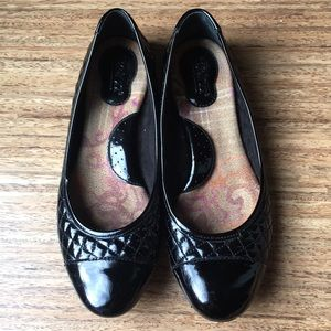 Born Riley Patent Black Quilted Flats