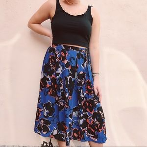 The sweetest midi skirt!